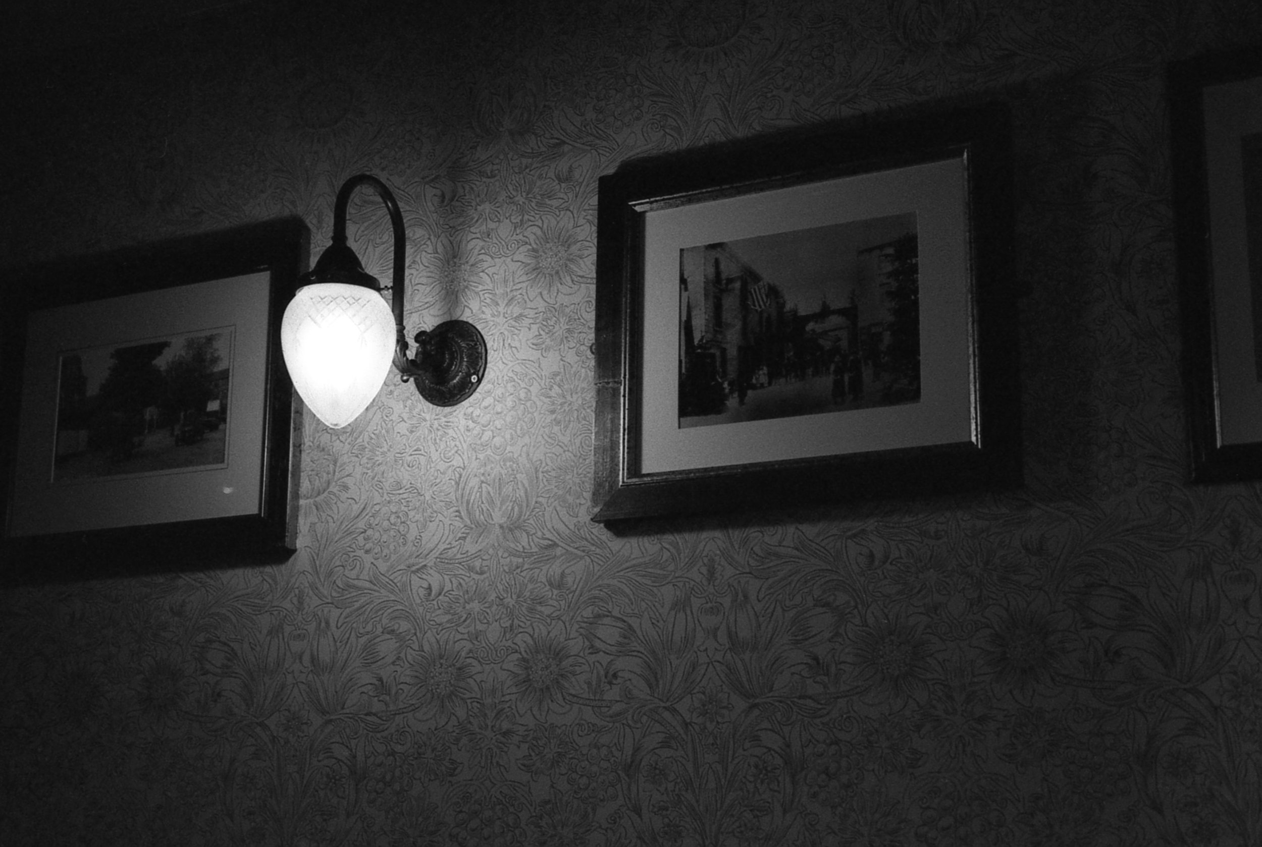 Leeds Pub Light - Leica M4P & Ilford HP5.jpg