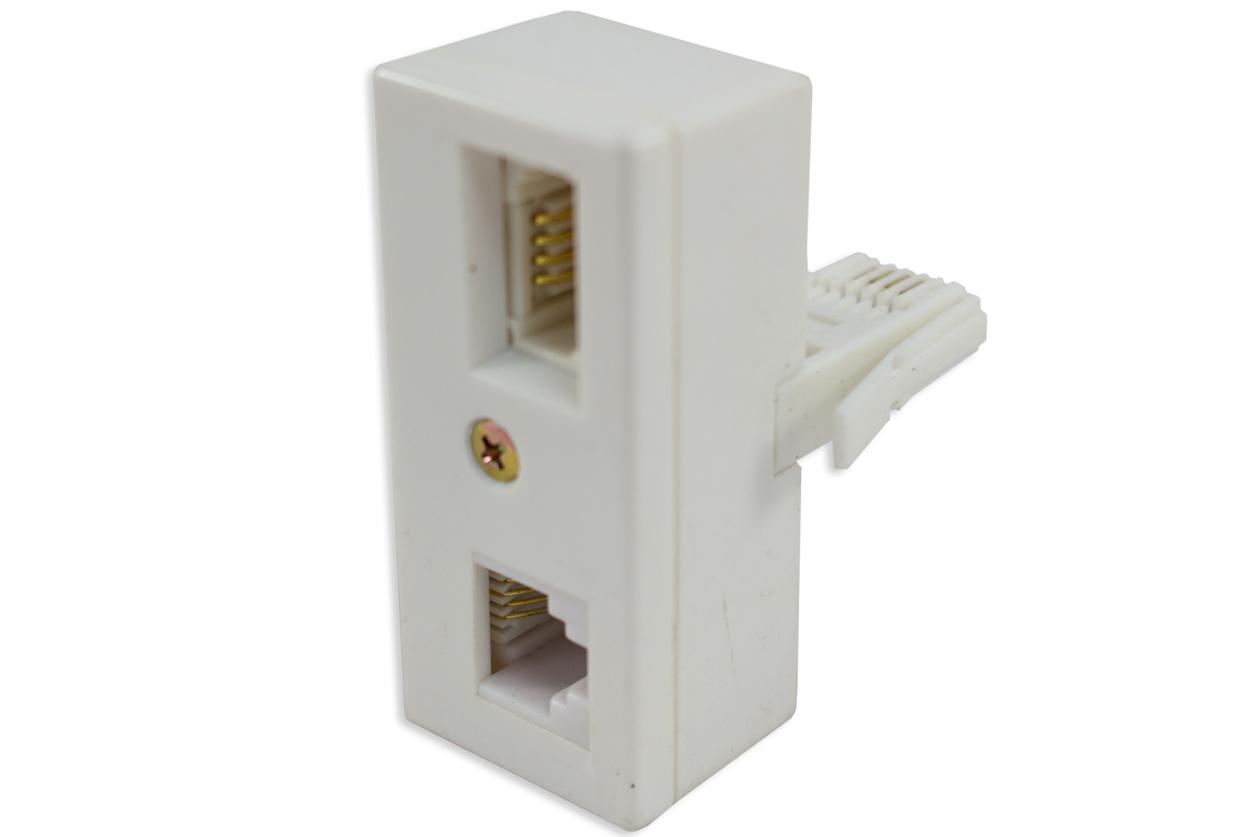 BT-plug--1-x-UK-socket-&-1-x-USA-socket.JPG