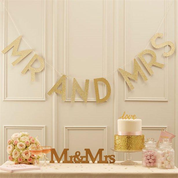 1 Mr and Mrs Schriftzug