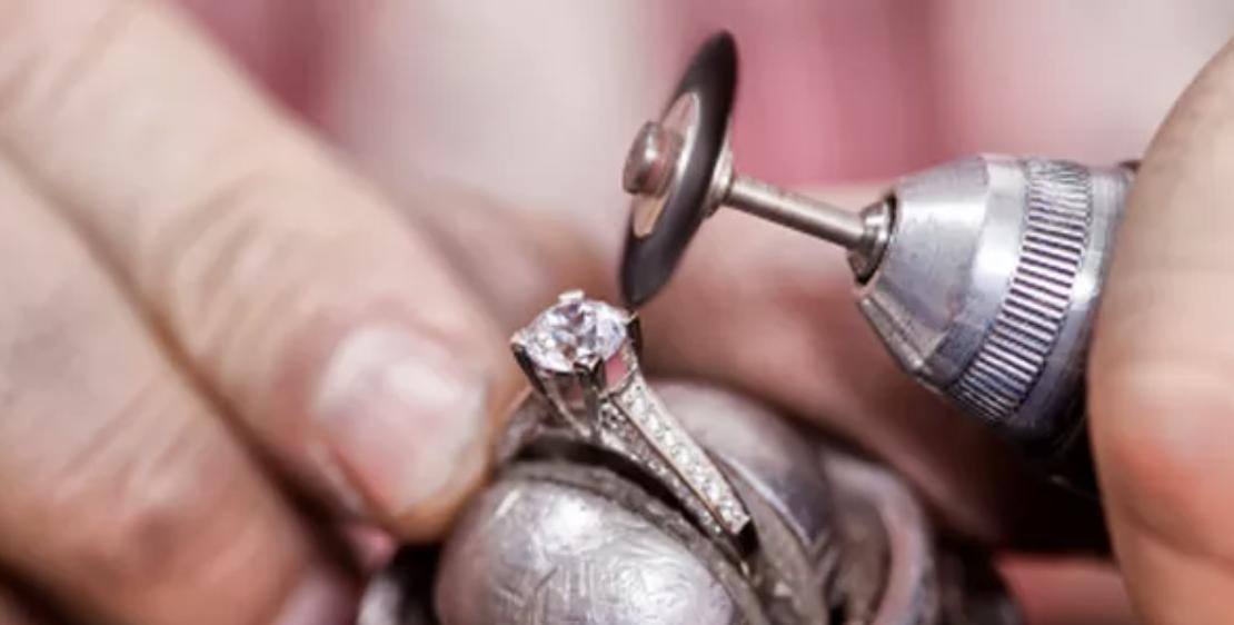 custom jewelry design at Providence Diamond in Rhode Island.