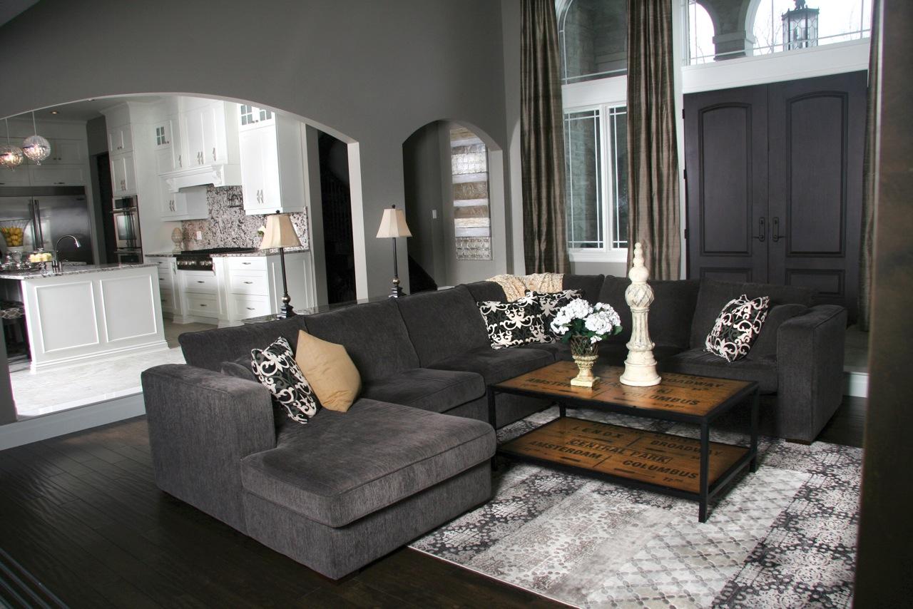 LivingroomEntrance.jpeg