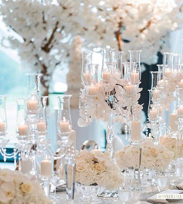 Still dreaming of a winter white wedding? Yeah... same. Via @wedluxe