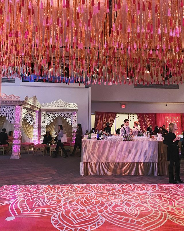This tassel ceiling treatment makes a statement! Last night, @cnvsevents transformed their space into an Indian bazaar complete with a spice market to celebrate @neumanskitchen's partnership with Chef Floyd Cardoz