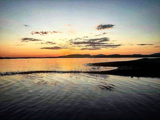 Islesford Sunset #islesford #islesforddock #islesfordmaine #mainesunset #sunset #mainesummer  #littlecranberryisland