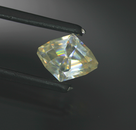 5.03 ct. Colorless Wulfenite