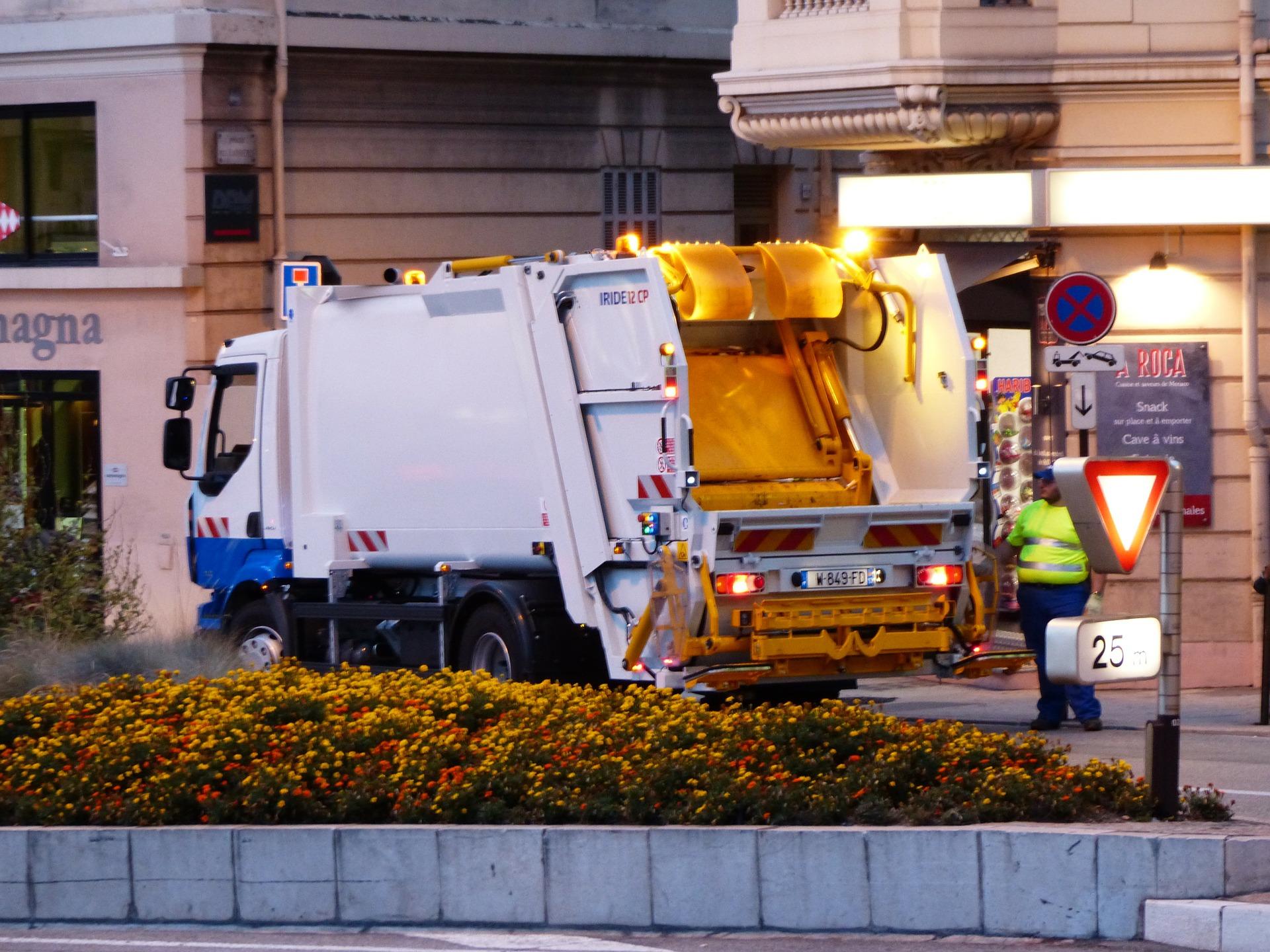 street-cleaning-188997_1920.jpg