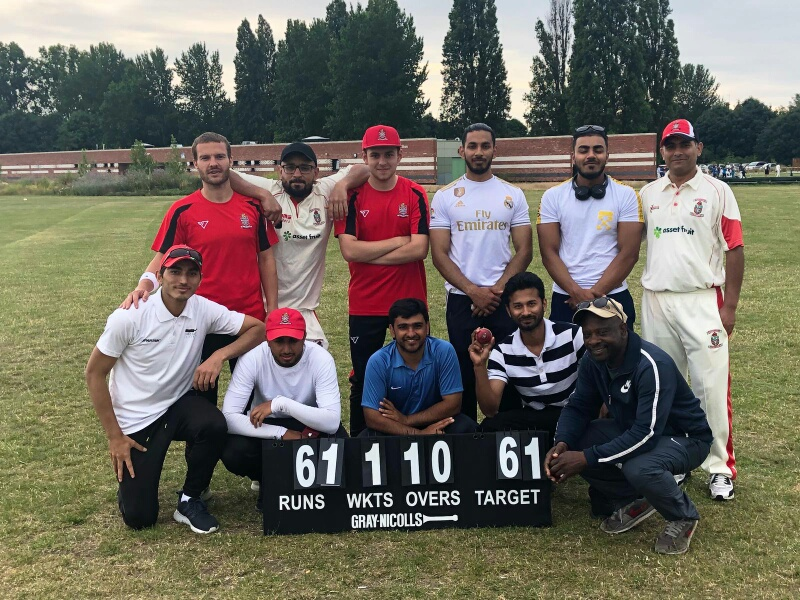 Stokey 2s after their nine-wicket win over Ealing Hanwellians last Saturday.