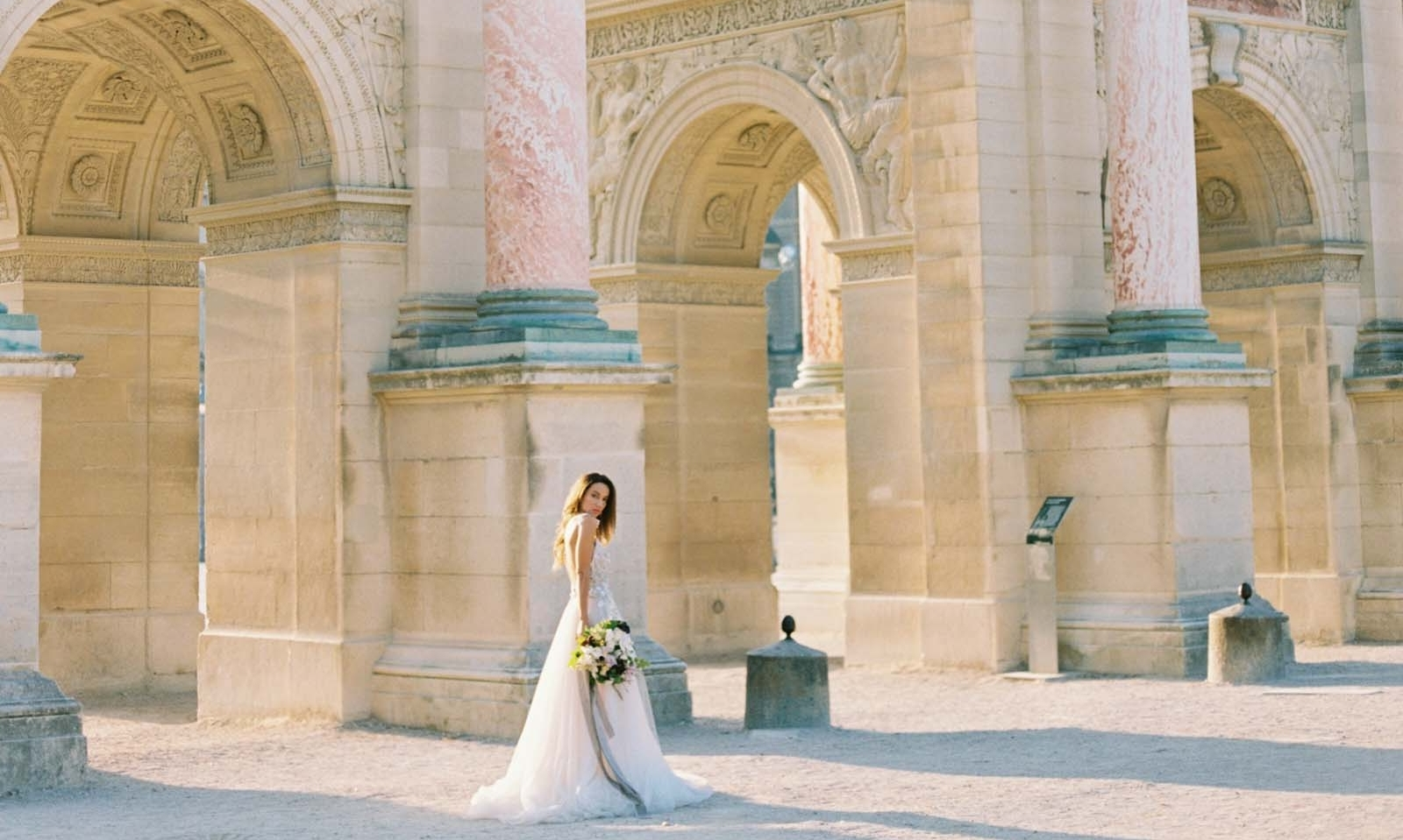 next gallery - Paris Bridal Portraits