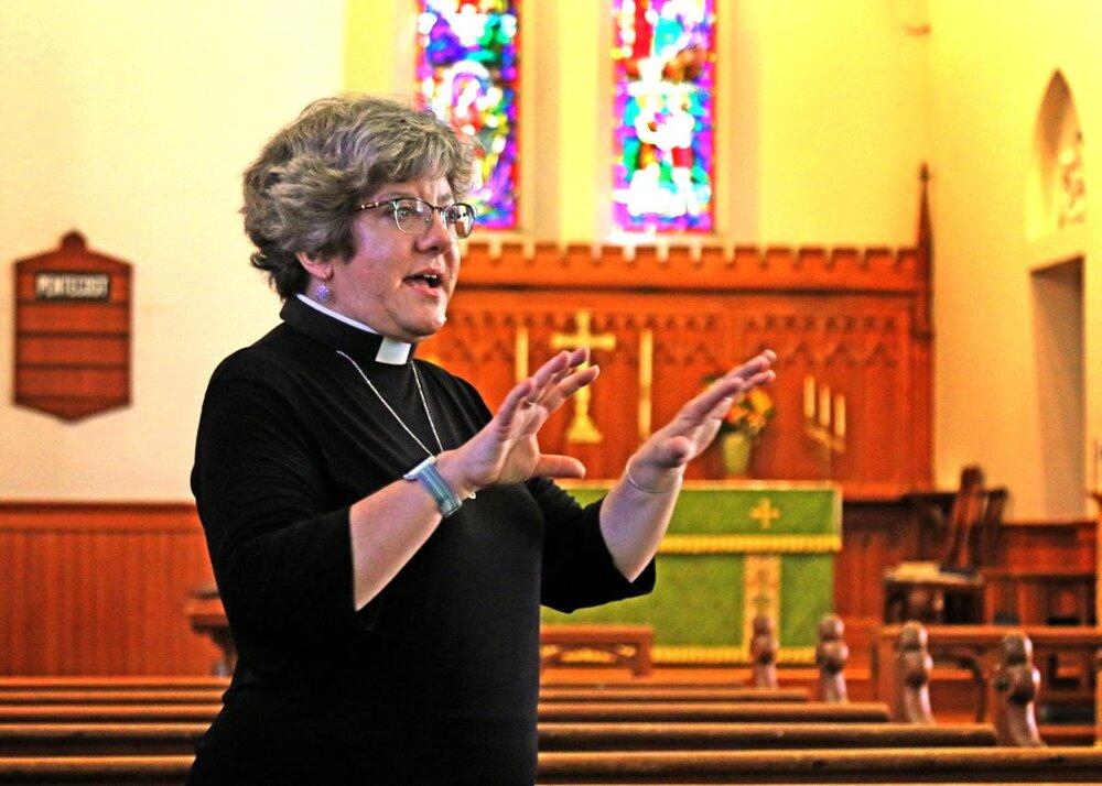 Gillian Barr preaching 2019 Sep.jpg