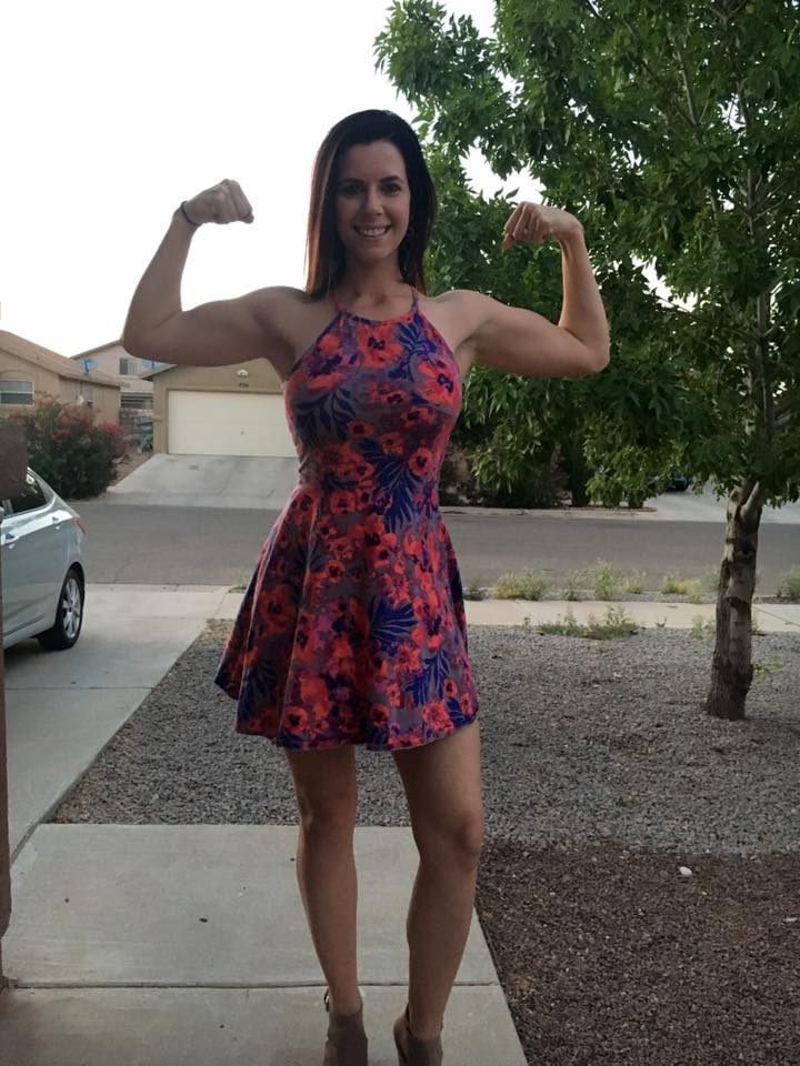 """I appear """"toned"""" here because I've been lifting and also lost fat! Keep in mind a flexed arm looks different than an arm at rest! These pics are only a month apart and there's no difference in my weight or training style just posing."""