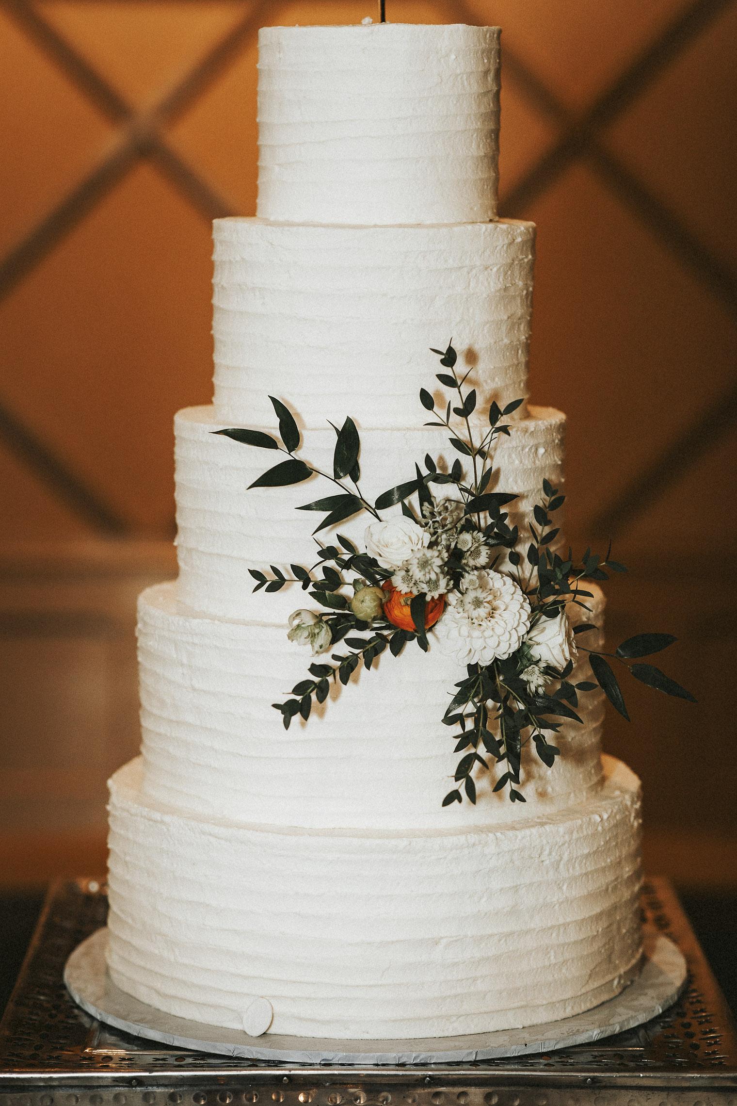 Twisted-Oaks-Studio-amy-mike-wedding-450.jpg
