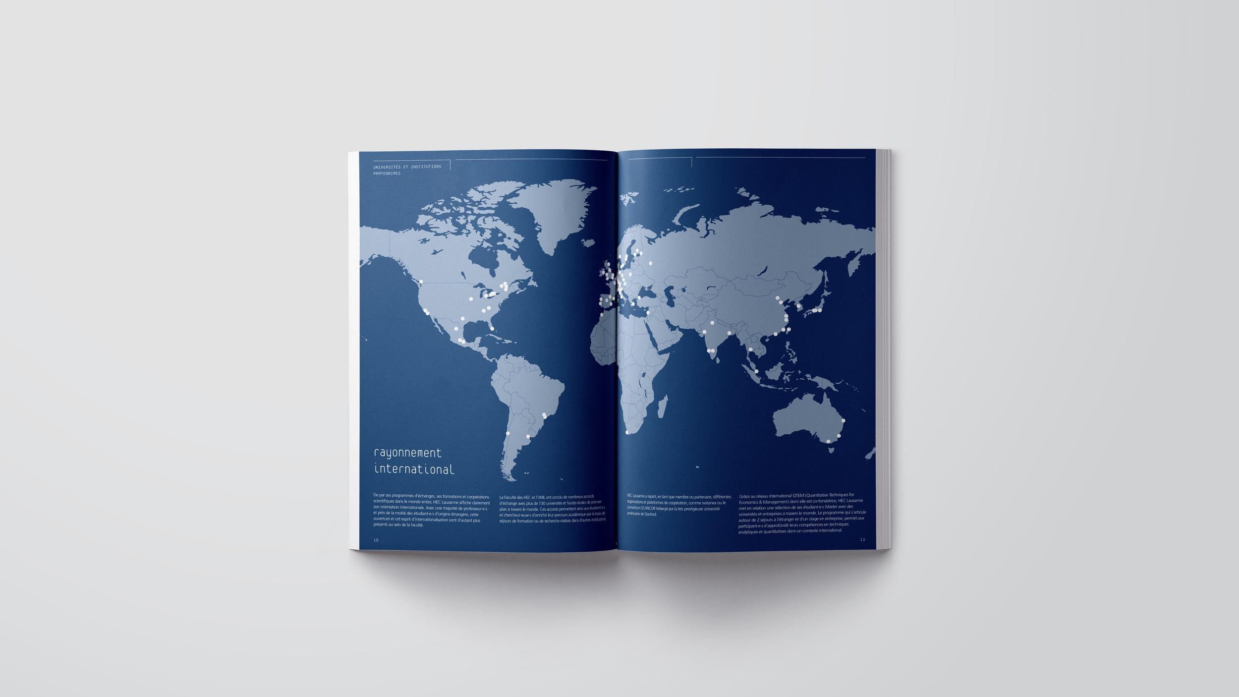 création brochure.jpg