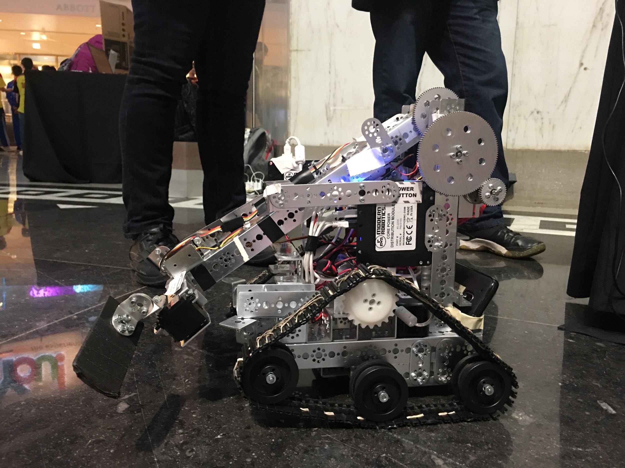 Tank Tesla - 2017-2018