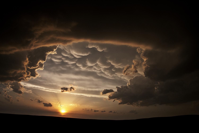 Under the Anvil, Looking West - Presho South Dakota, USA - The Big Cloud