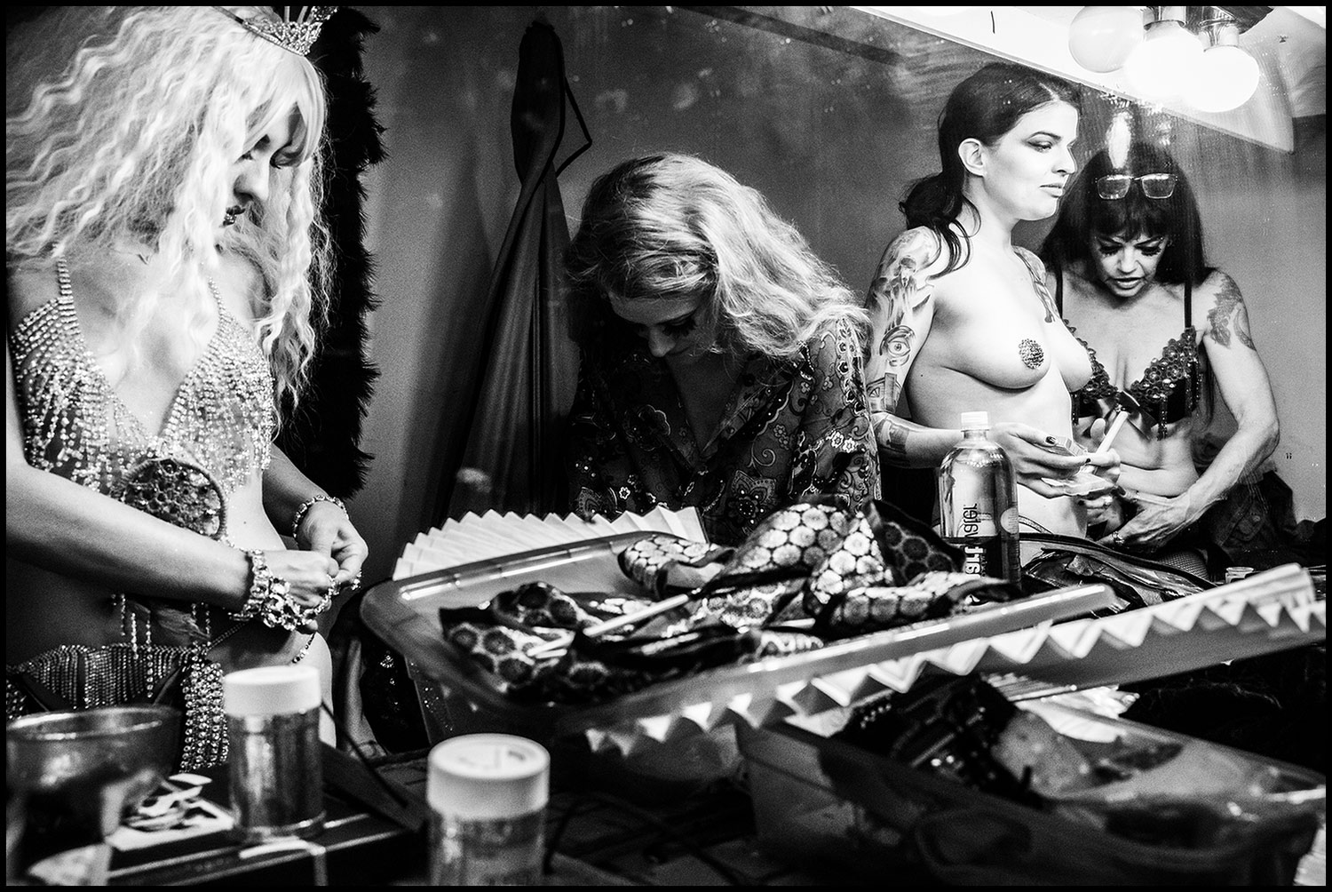 Nostalgie D'Une Époque Perdue  (Los Angeles, CA) 2018 // Burlesque performers (Lt to Rt: Vanessa Burgundy, Trixie Little, Kira Von Sutra, and Princess Farhana) doll themselves up in the dressing room before the show.