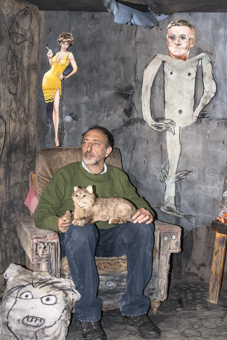 Roger in the Family Room, 2014, ©Marguerite Rossouw, from 'The World According to Roger Ballen'