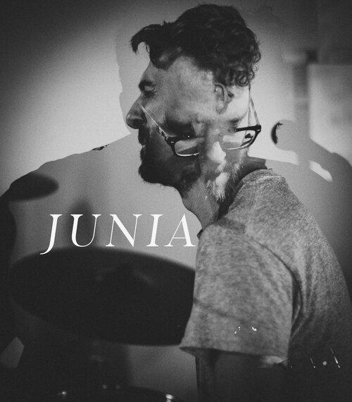 junia+banner.jpg