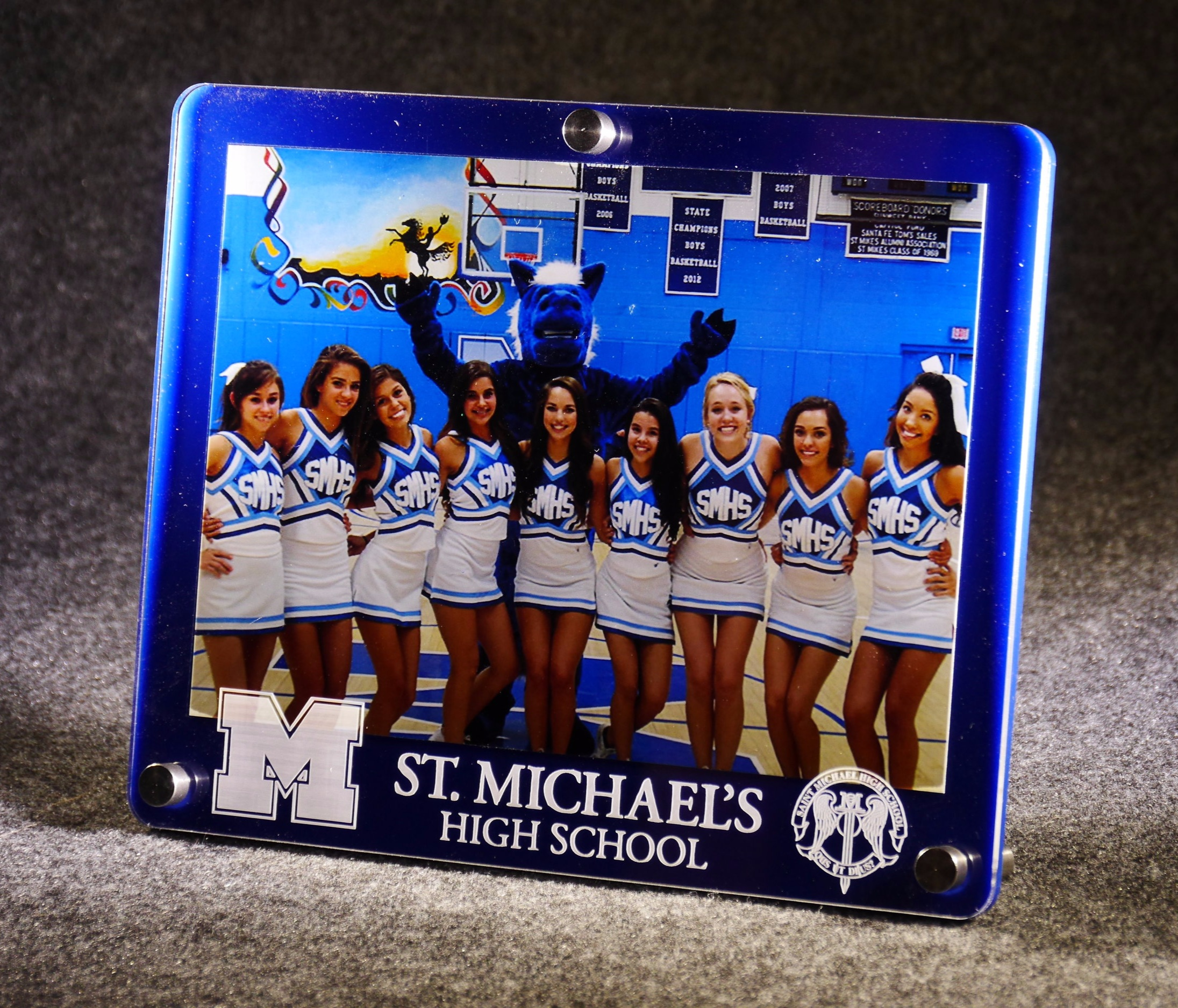 5x7 landscape frame - 2-layer acrylic, in team colors with logo and seal  Contact us for pricing information.