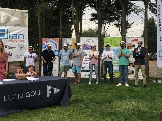 😻 Me encanta esta foto del 1° Torneo de Golf Dian Sistemas de ayer en Golf León. ⠀ ⠀ Resume a la perfección la genial organización de Segundo, de Birdigan. ¡Gracias! 👏⠀ ¡Trabajando así de a gusto se pasa el tiempo volando!⠀ ⠀ ⠀ #IngridFontana #GestiónDigital de #Pymes #marketing #golf #leonesp #igersleonesp #digitalmarketing #mkt #business #empresas #evento #happy #cool
