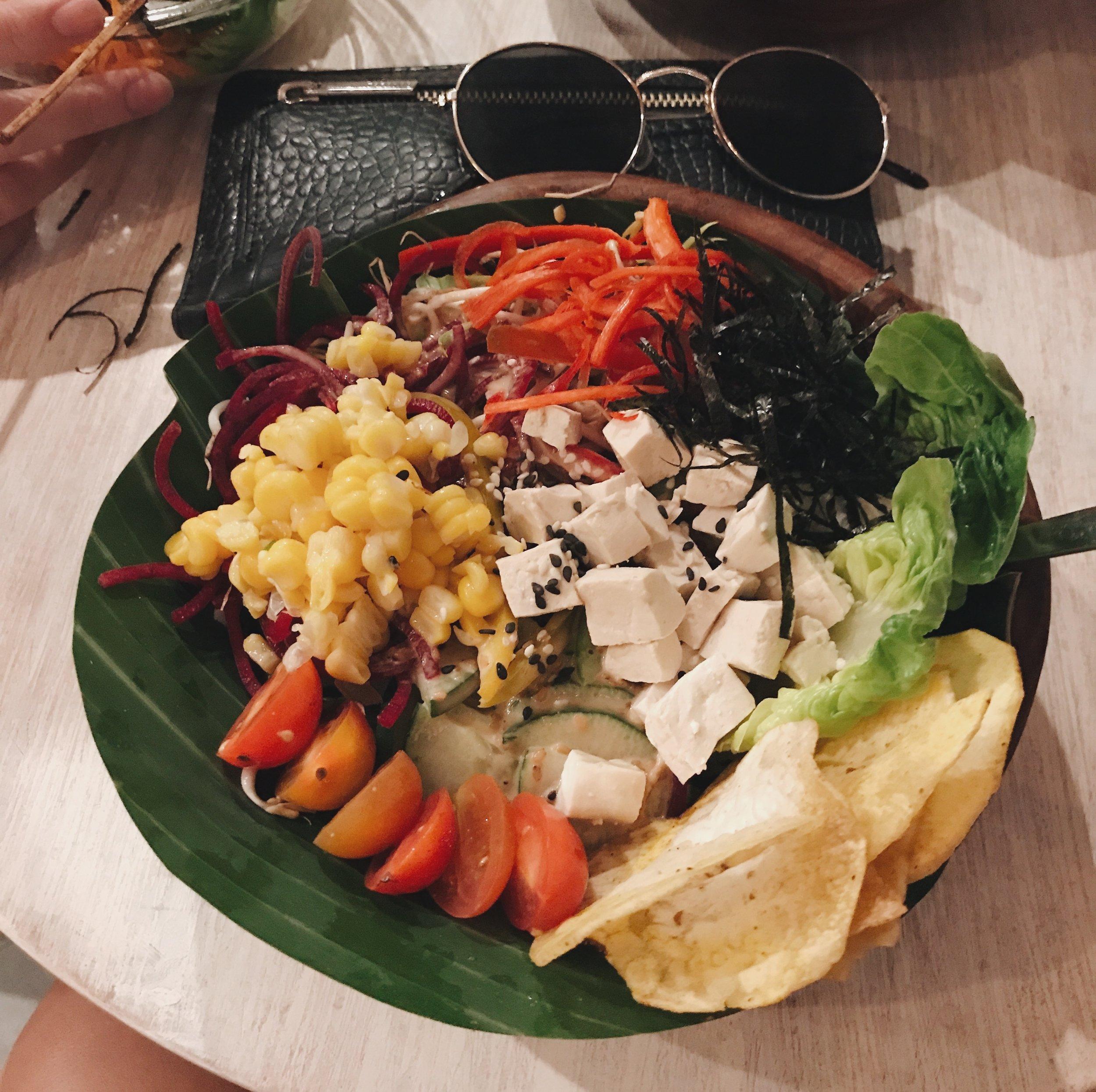Bali salad bowl