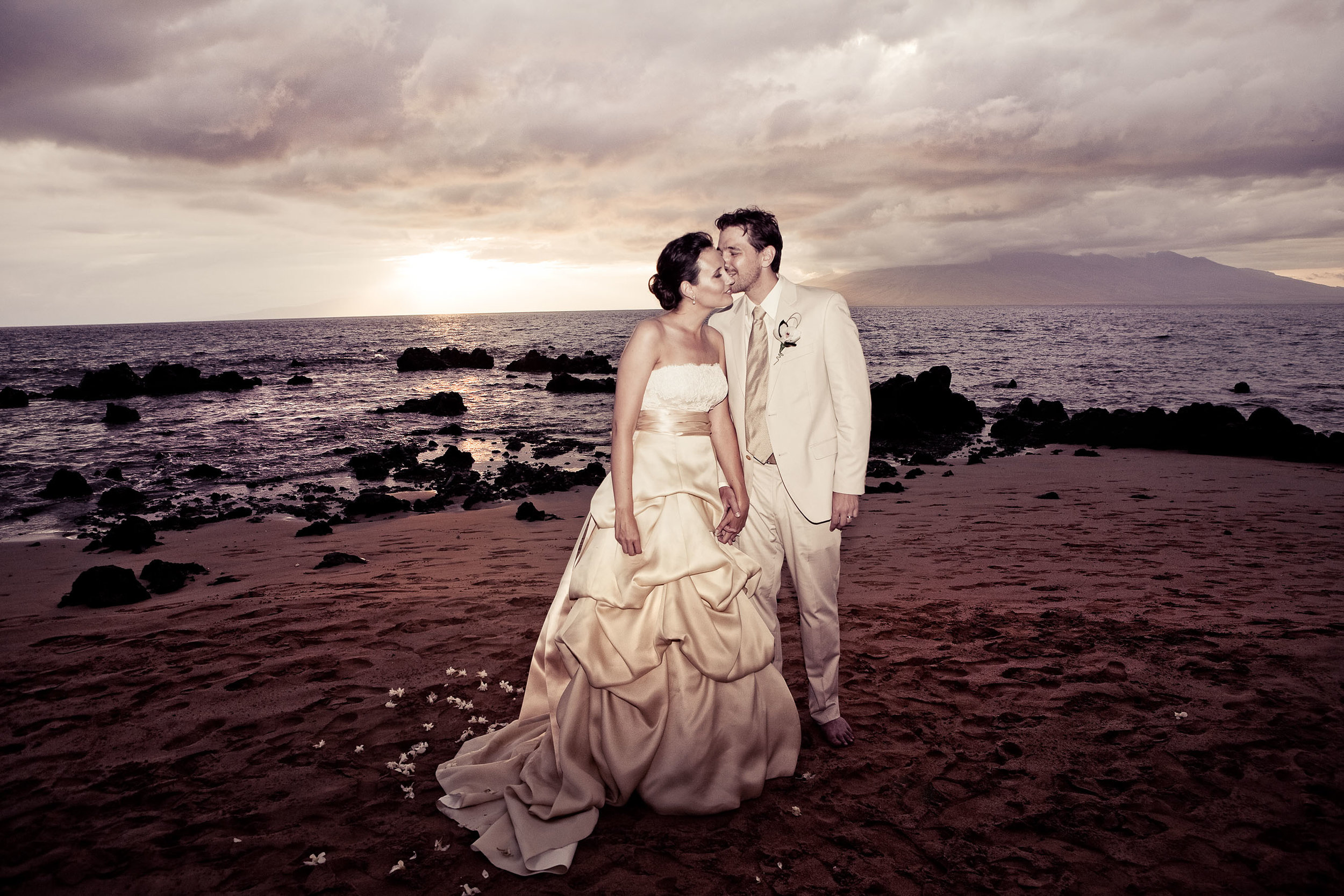 best-maui-hawaii-wedding-photographer.jpg