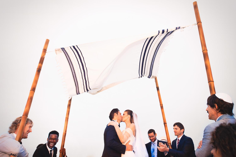 Guy O'Seary Wedding in Rio de Janerio kissing the bride
