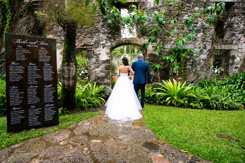 Beautiful wedding ceremony at Haiku Mill