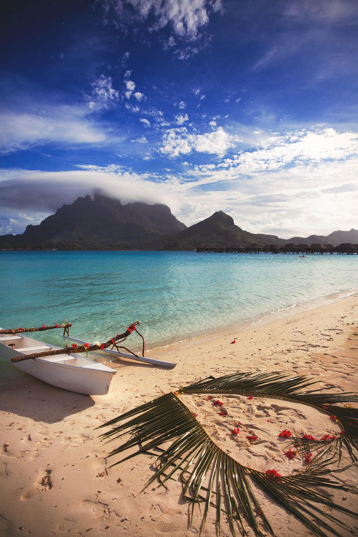 Four Seasons Bora Bora Wedding - Gorgeous Heart Photo By The Beach