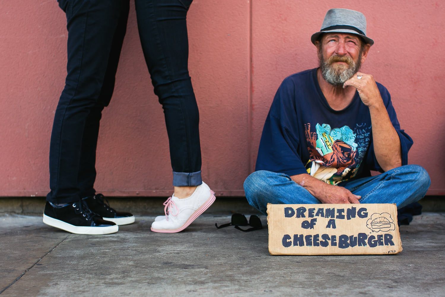 Venice Beach Engagement Photos - Kissing next to the homeless