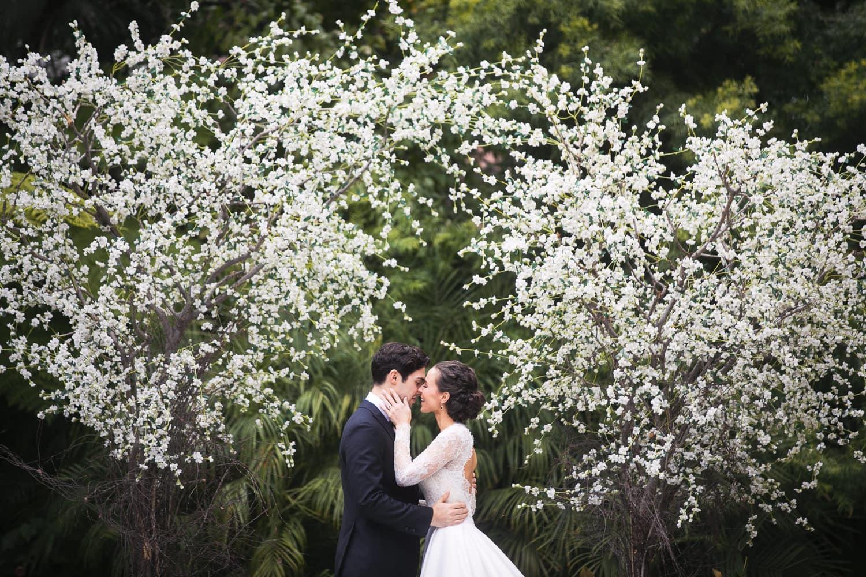 Old Hollywood Bride and Groom kissing at Hotel Bel-Air Wedding