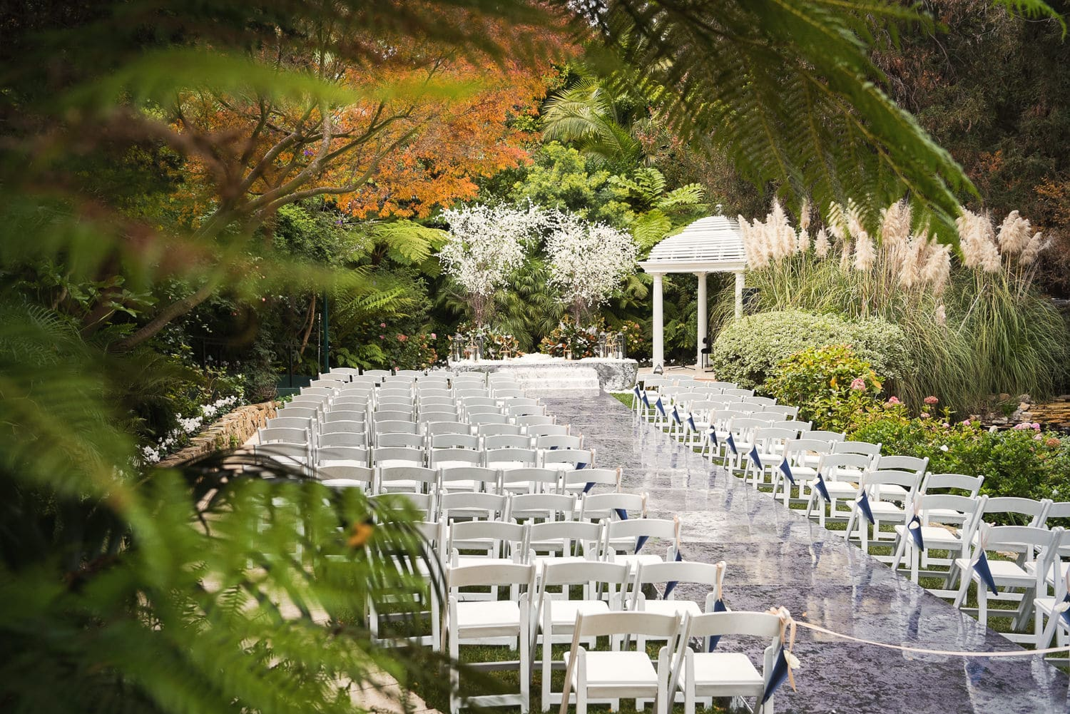 Fall wedding ceremony photo at the Hotel Bel-Air designed by Simply Troy