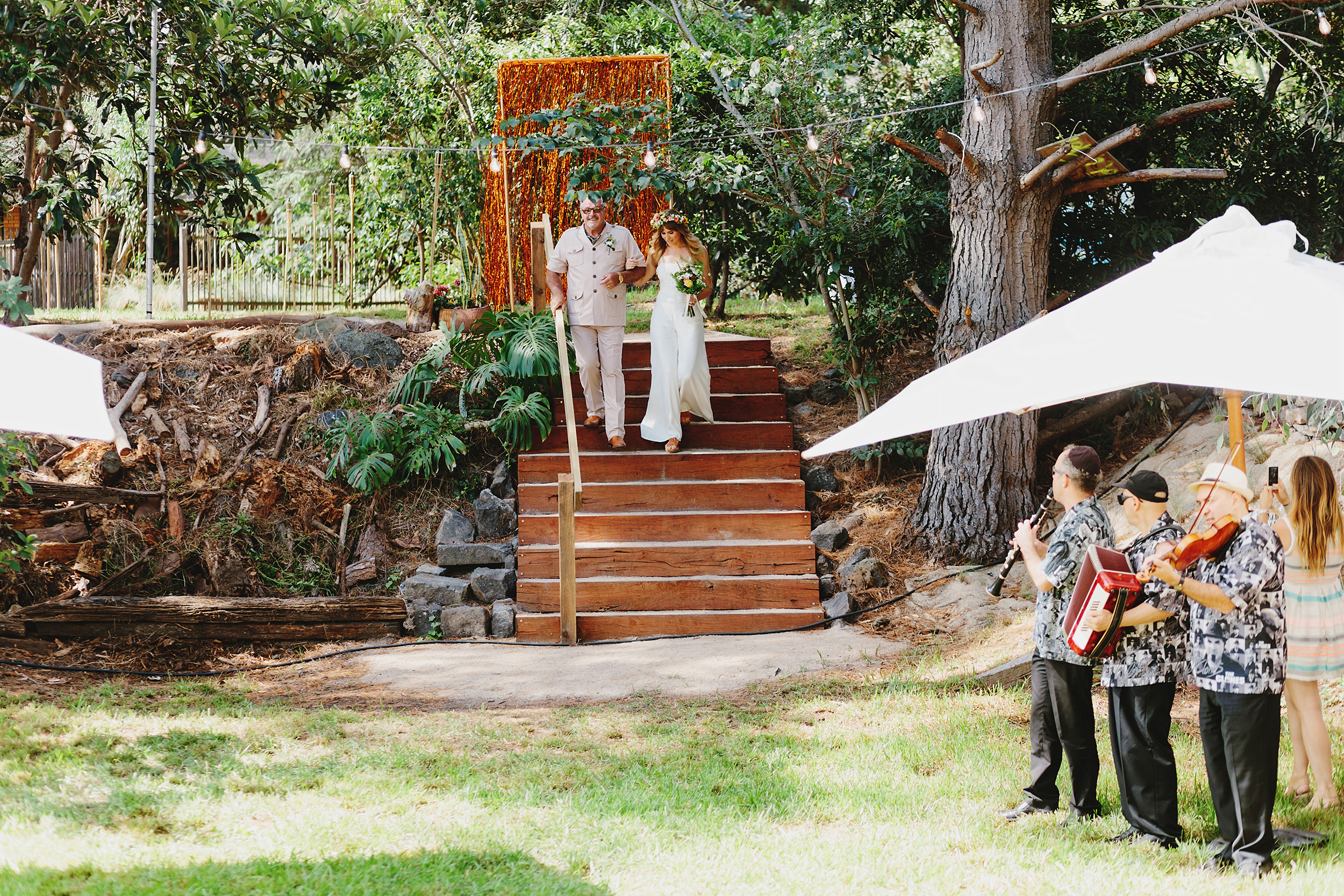 Melbourne_Vintage_Backyard_Wedding_Ben_Erin 019.JPG