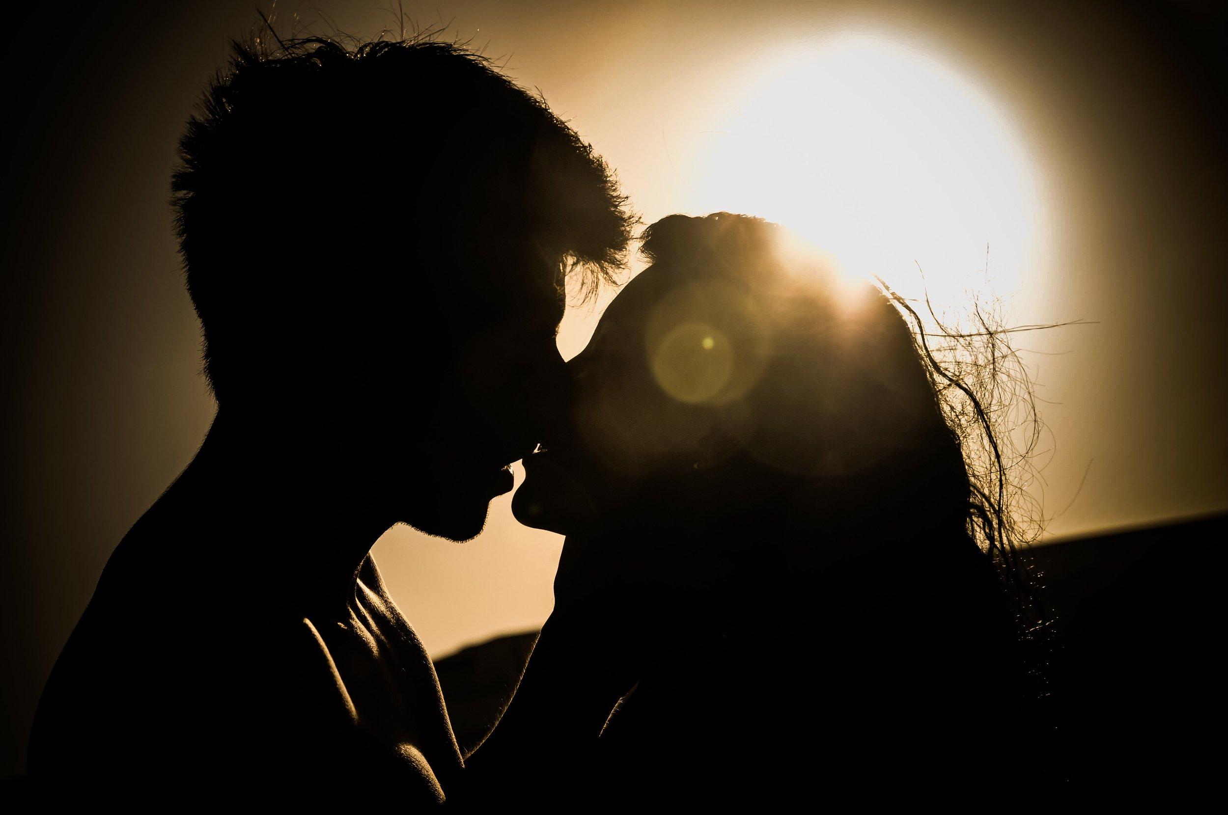 affection-attachment-couple-41068.jpg