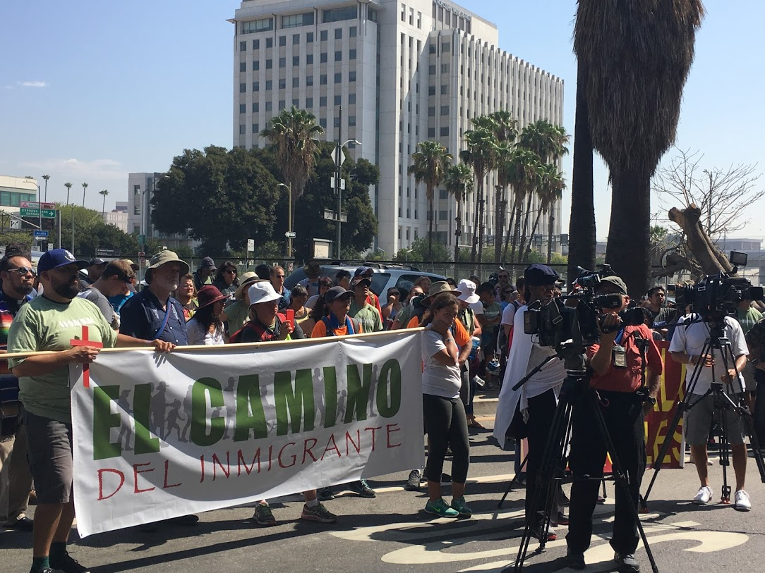 J4R members join El Camino Del Inmigrante.