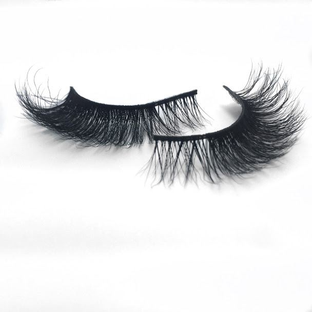 BEENA - Reserved meets glam. This is for the girl who typically loves to keep it natural; but when she gets a hold of lashes, she'll graciously glam all over you!BUY NOW