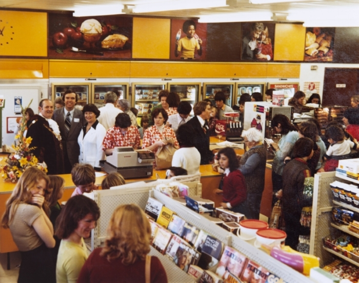 The first 7-Eleven store opens in Australia. Oakleigh, Victoria, 24 August, 1977.