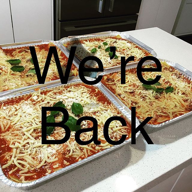 Happy New Year! We are back in the kitchen #easyfoods #lasagne #pasta #friends #entertaining #dinnerparty #partyfood #busymomlife
