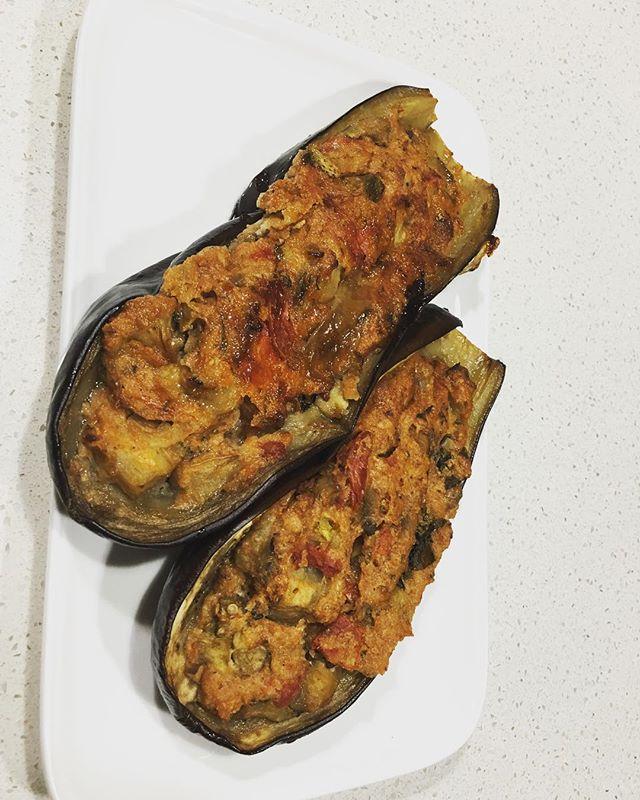 A great vegetarian option grilled eggplant stuffed with eggplant and tomato #easycooking #notimetocook #vegetarianrecipes #eggplant #dinnerdone
