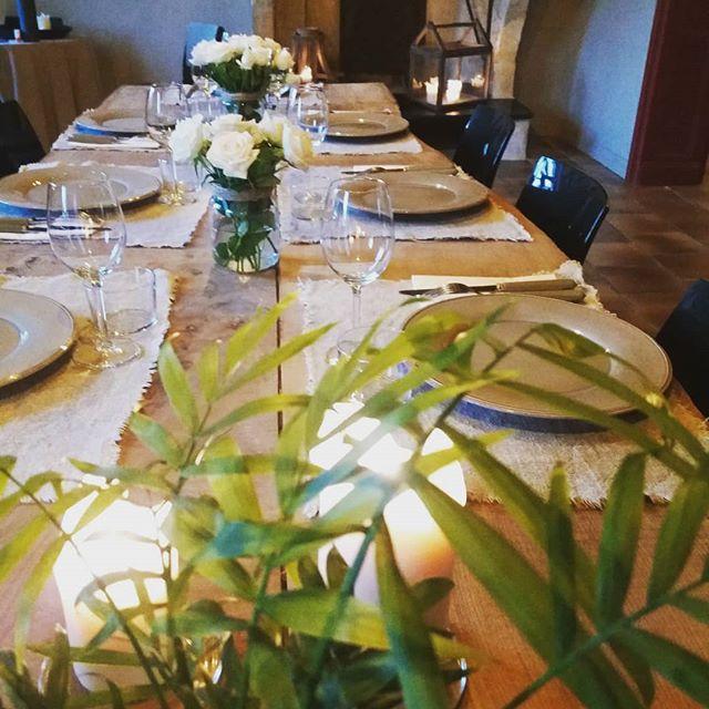 Pendant vos séjours à La Valière, vous pourrez profiter de notre service de Conciergerie pour l'organisation de vos repas, vos transferts et de vos activités.  @desmazures.conciergerie  Infos & réservations : www.lavaliere-medoc.com  #conciergerie #conciergerieprivée #privateconciergerie #service #cuisineadomicile #activités  #organisation #eventplanners #eventplanning #eventstyling #dinner #déjeuner #brunch #vacance #weekend #travel #voyage #luxury #lifestyle #booking #medoc #sudouest #gites #oenotourisme #winelife #winelovers #instapic #instagood #instawine #desmazures
