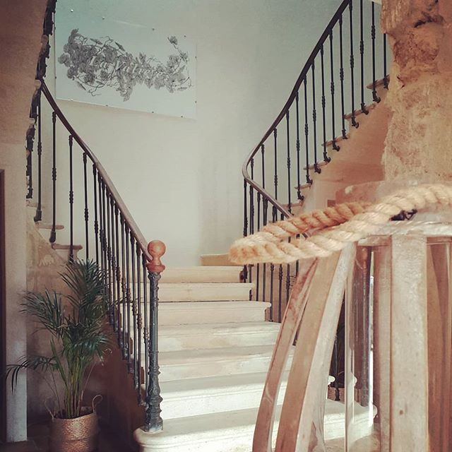 Succombez au charme de l'ancien 😉  www.lavaliere-medoc.com  #luxurytravel #travelgram #instatravel #holiday #wineexperience #winecountry #winetourism #placetotravel #traveldestination #winelife #oenotourisme #property #maisondevacance #chateau #medoc #sudouest #gironde #evenement #lavaliere