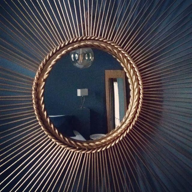 Succombez aux charmes de la chambre Bleu Paon... Infos & réservations: www.lavaliere-medoc.com  #vigne #vineyards #sudouest #guesthouse #gironde #medoc #holidays #cadeau #chambredhotes #winelife #winelover #chateaulavaliere #location #maisondhotes #luxuryrealestate #luxuryvilla #vacances #weekend  #winetours #oenotourisme #chateau #bordeaux #royan #paris #toulouse #conciergerie #instawine #lavaliere