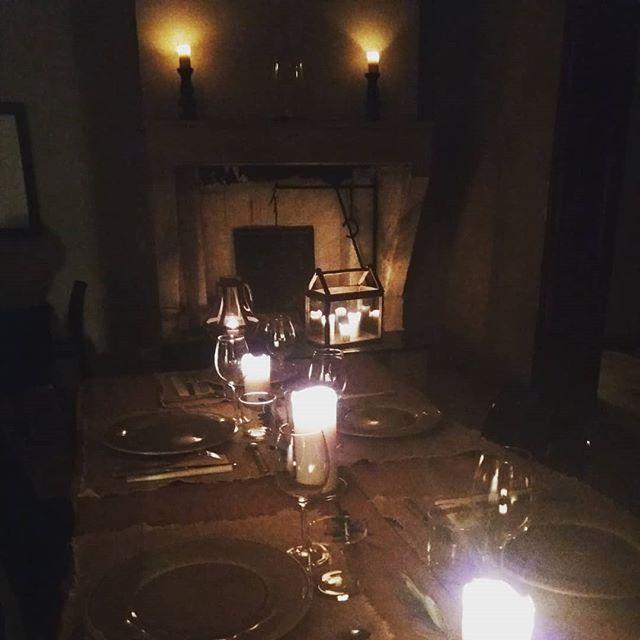 Un dîner au Château... Infos & réservations : www.lavaliere-medoc.com  #conciergerie #conciergerieprivée #privateconciergerie #service #cuisineadomicile #activités  #organisation #eventplanners #eventplanning #eventstyling #dinner #déjeuner #brunch #vacance #weekend #travel #voyage #luxury #lifestyle #booking #medoc #sudouest #oenotourisme #winelife #winelovers #instapic #instagood #instawine #desmazures #lavaliere