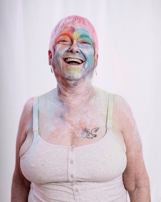 Wendy's joyful presence was contagious when she came to our studio. She reminded us to never judge a book by its cover or assume to know what someone is capable of doing.  If you are interested in participating in the True Colors project, our next sessions will be in LA on September 14th and 15th. Link in profile to schedule a slot. 💜💚 🧡❤️ @thetruecolorsproject_ @ingabrege @kessiaembry @wendy91602 #selflove #painting #portrait #humankindness #truecolors #thetruecolorproject #exploretocreate #photooftheday #love #colorful #colors