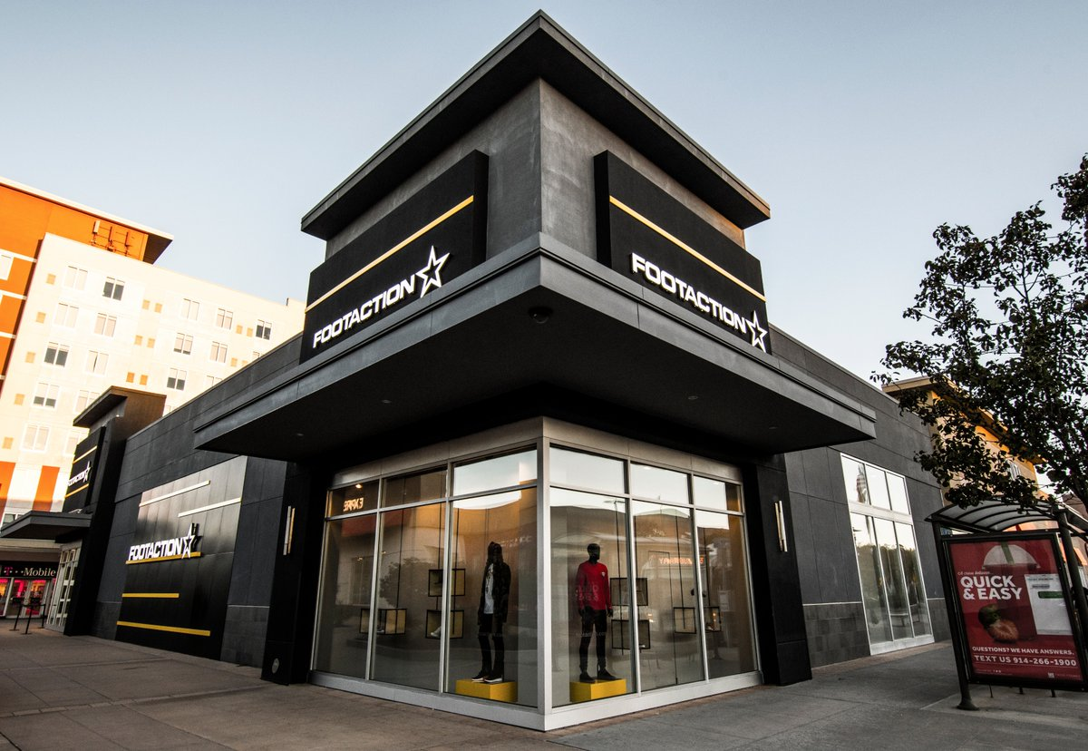 Footaction Exterior.png