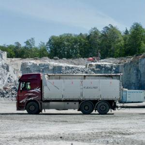 Truck300x300.jpg