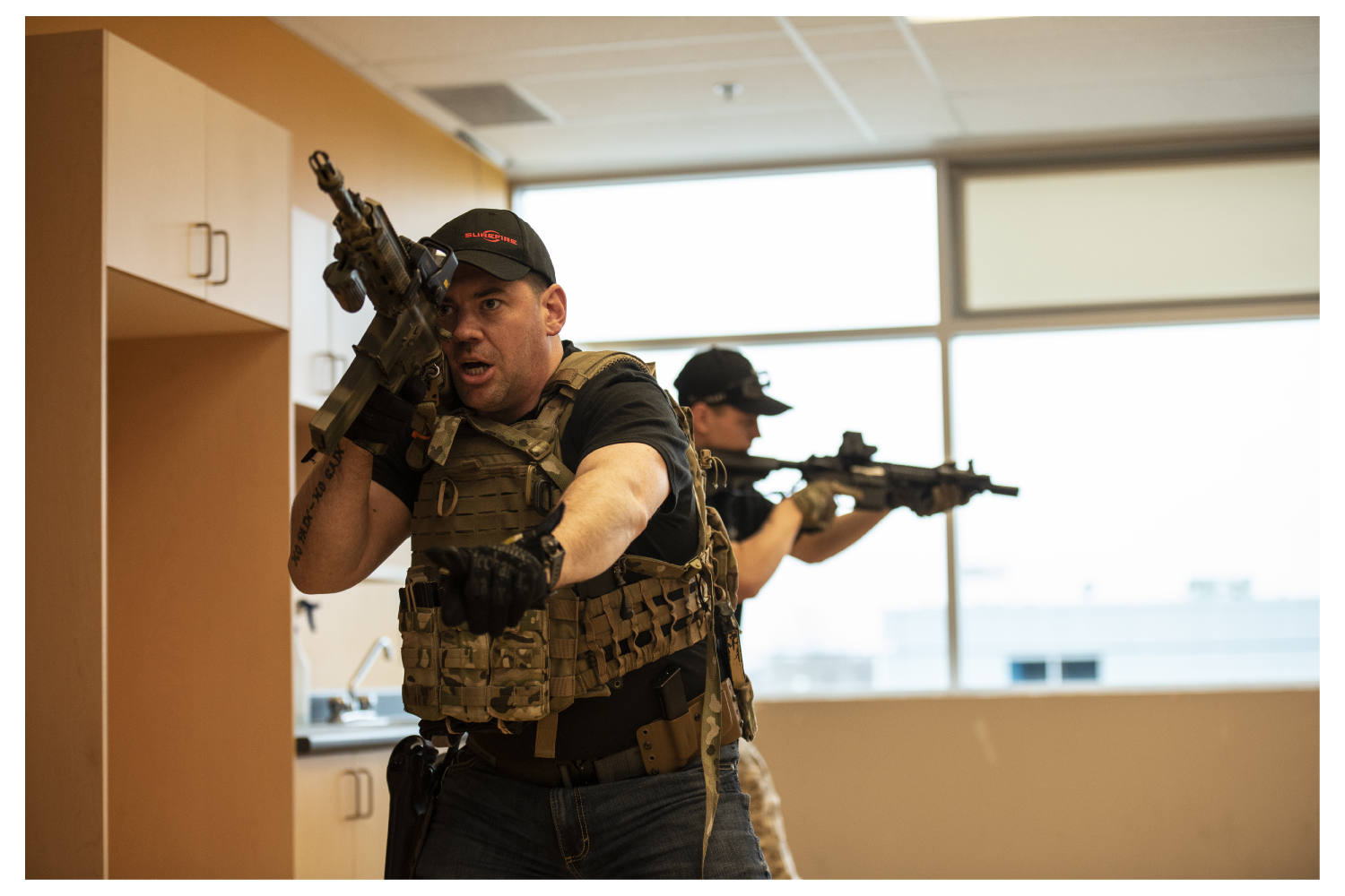 LEVEL1 - 130 $ CAD (MILITARY REBATE 15 %)1-day course (0800-1630)Build your basic skills to enter ,clear and secure built up urban structures. Learn communication as a 5, 2 or solo man team. Movement, positions and individual tasks are fundamentals that will be covered.