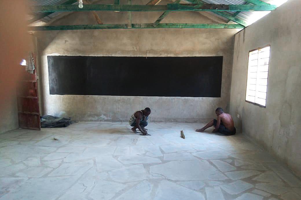 Unser Ziel: so sieht ein fertiges Klassenzimmer aus. (Foto: Daniel Njagi Kiura)