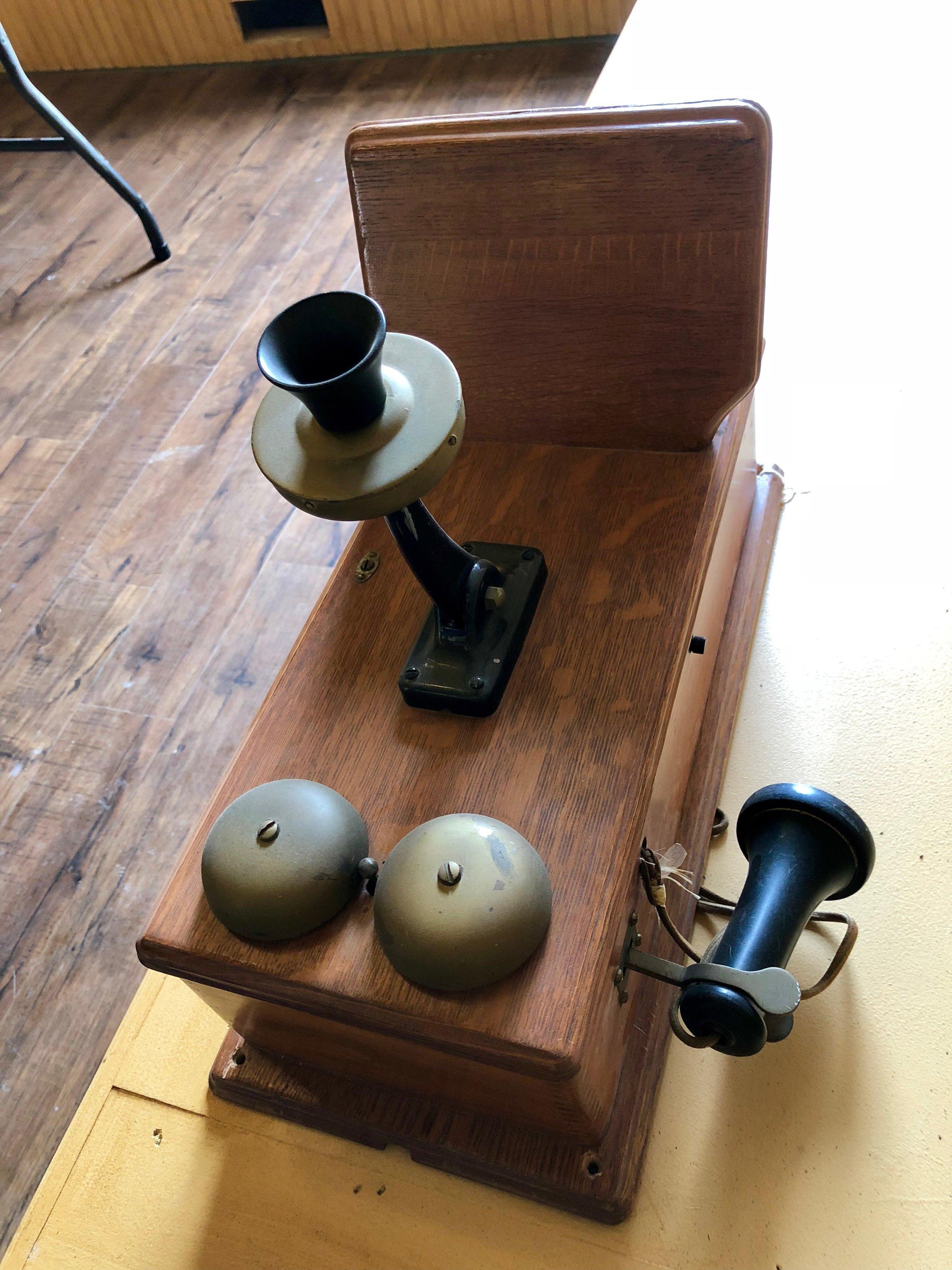 Crank Style Telephone