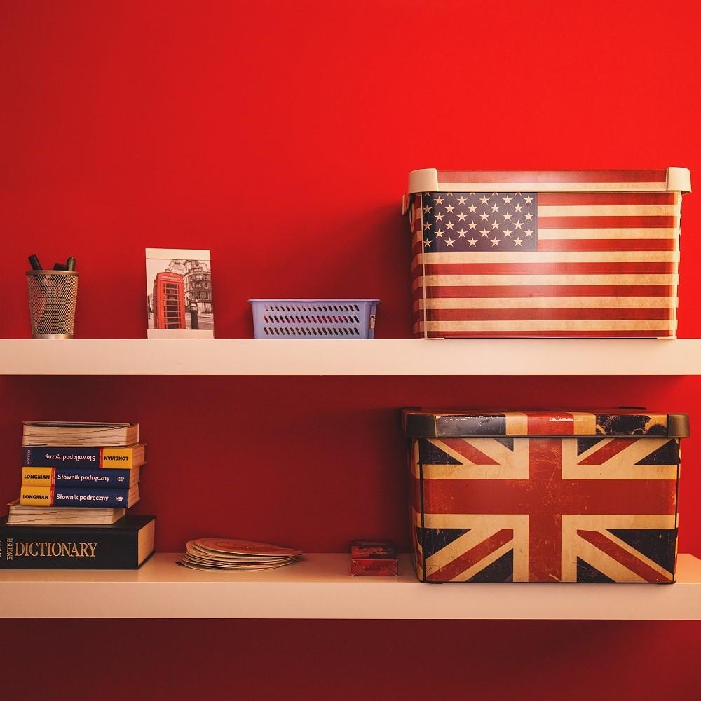 US UK English_freestocks-org-65291-unsplash.jpg