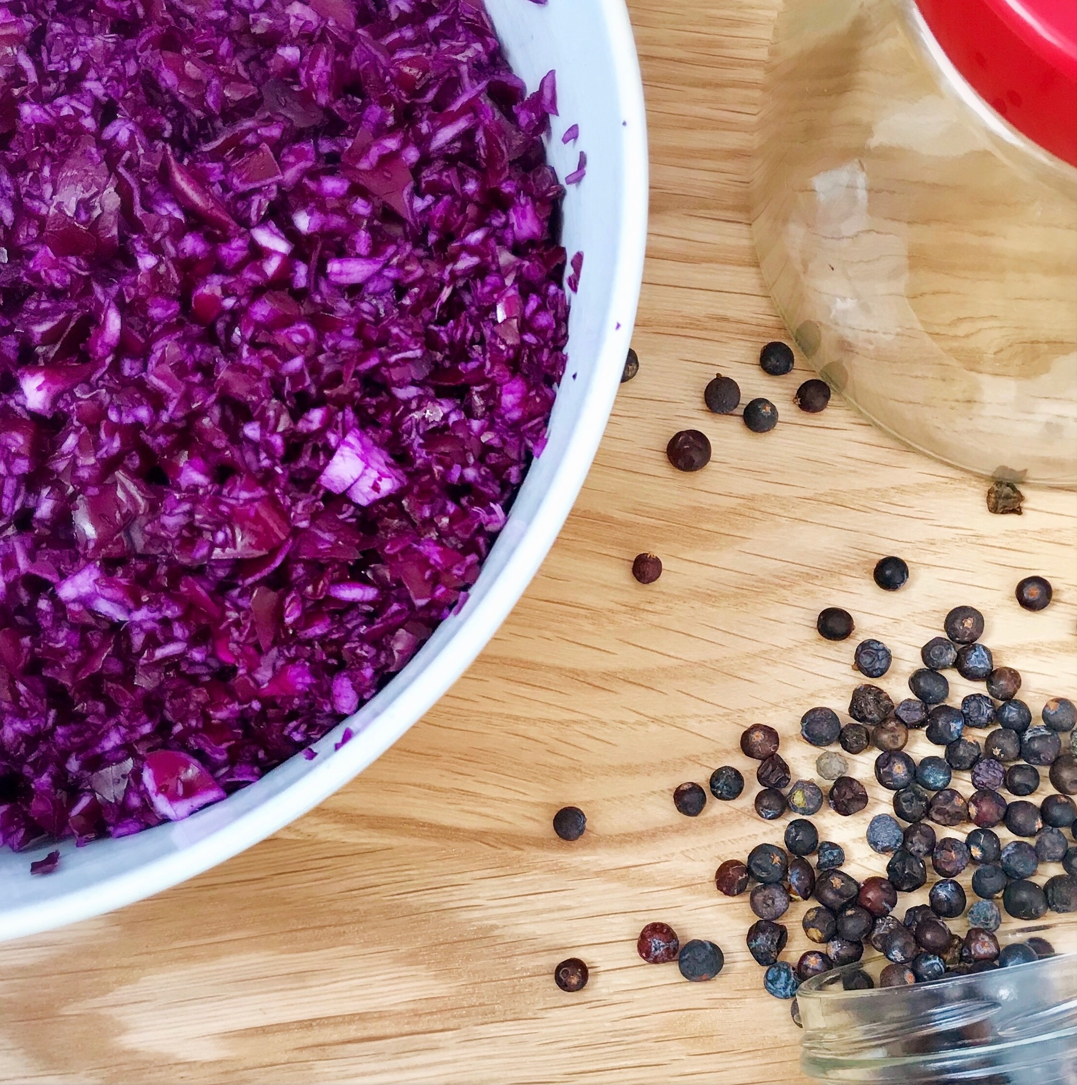 Gut loving Winter ferment with antibacterial juniper berries -